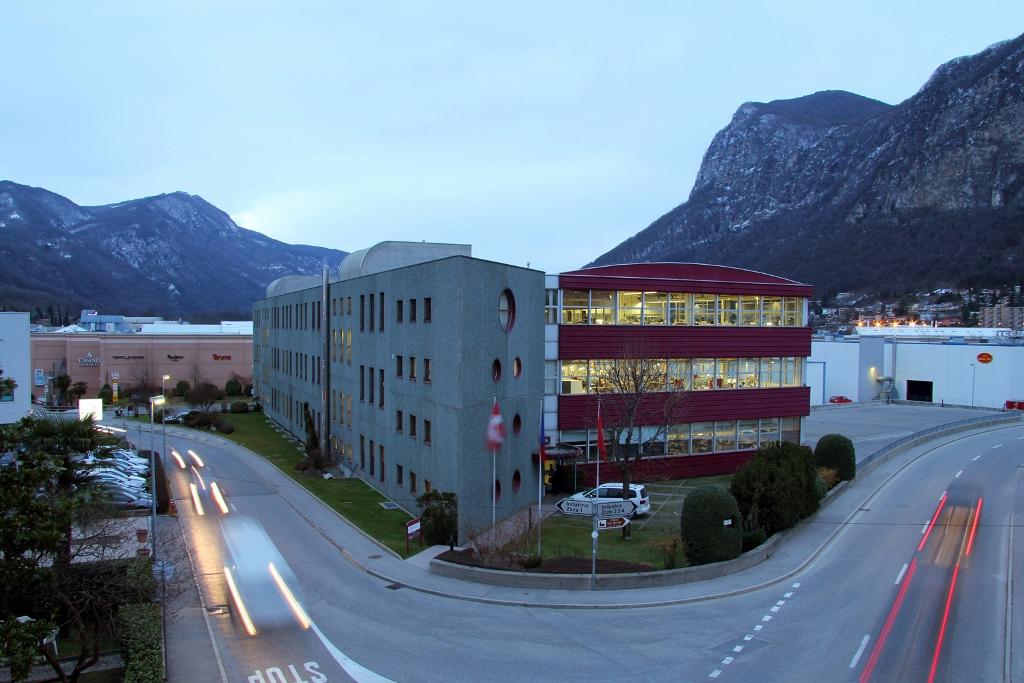 Edifici industriali commerciali e di produzione for Piano di progettazione di edifici commerciali